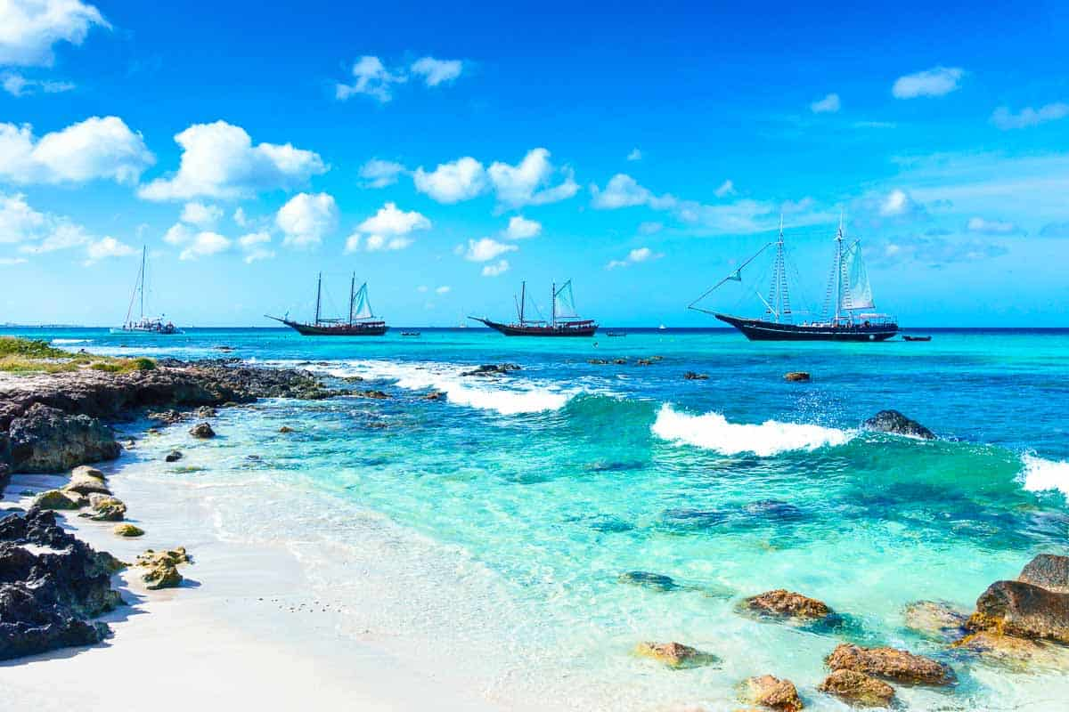 EXPERT TRAVEL GUIDE TO THE BEST ARUBA SNORKELING SPOTS
