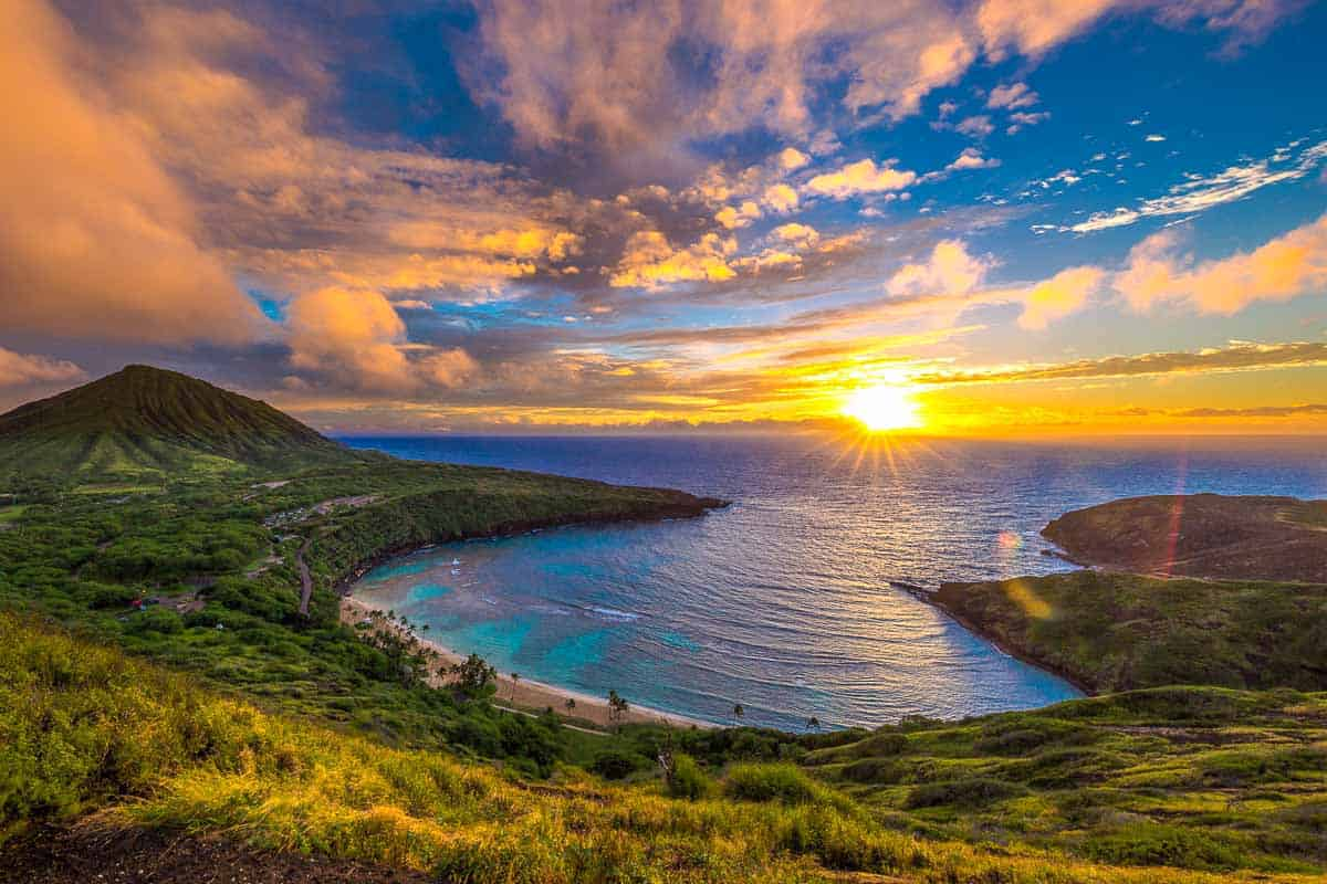 EXPERT TRAVEL GUIDE TO THE BEST SNORKELING SPOTS IN OAHU