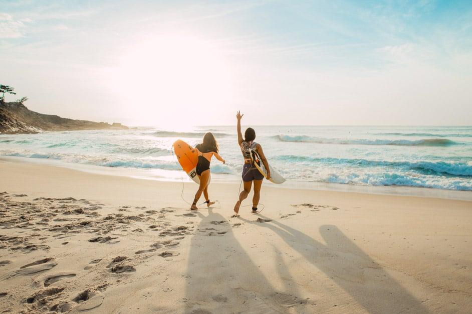 BEST WATERPROOF SURF WATCHES FOR WOMEN 2021